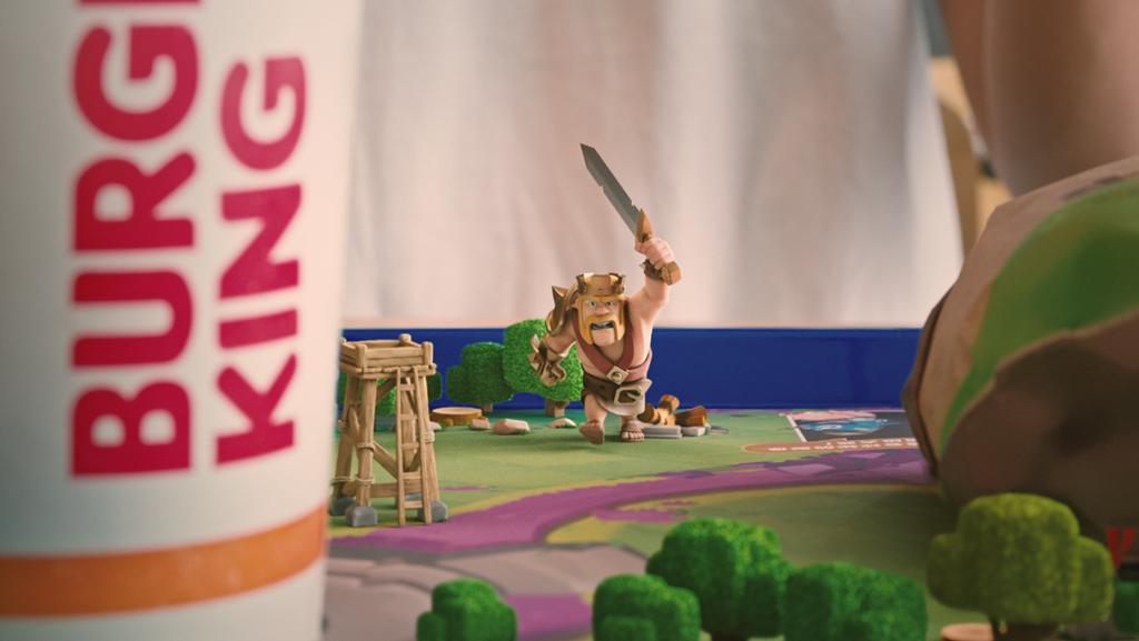 汉堡王遇上野蛮人之王的夏天,打开部落冲突的正确姿势又多了一种